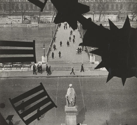 Clock of the Académie Française, Paris, 1932 - Andre Kertesz