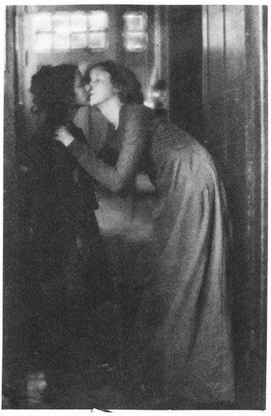 The Kiss, 1904 - Clarence White