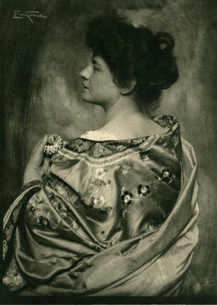 Woman in Kimono - Фрэнк Юджин
