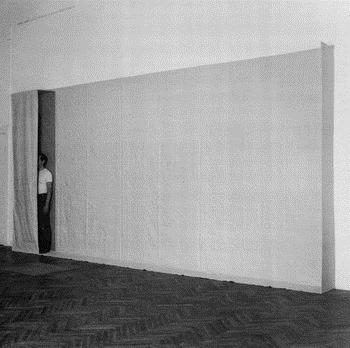 Flacher Raum - Franz Erhard Walther