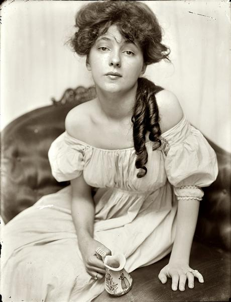 Miss N (Portrait of Evelyn Nesbit) - Gertrude Kasebier