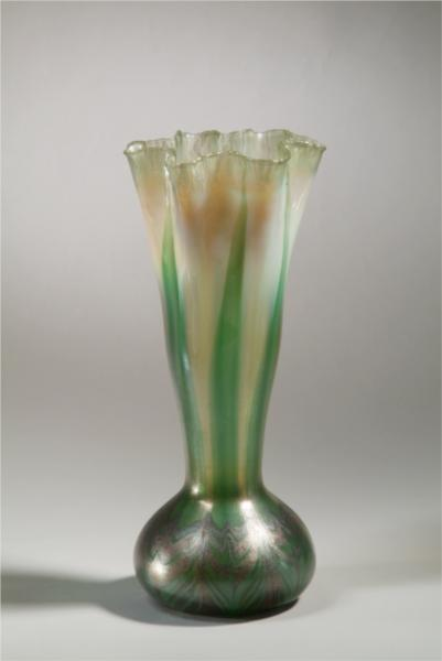 Vase. Onion, 1900 - Louis Comfort Tiffany