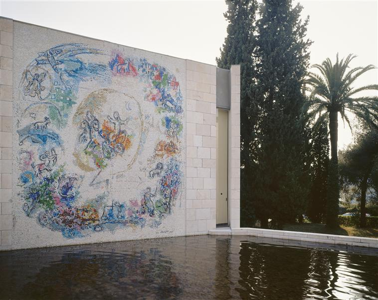 """The mosaic """"The prophet Elijah"""" in the garden of Marc ... Chagall Museum Nice"""