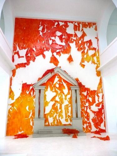 Les murs de pellicules orange, 2008 - Michel Blazy