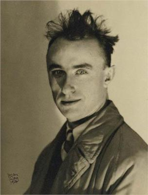 Yves Tanguy - Photo by Man RayYves Tanguy Portrait